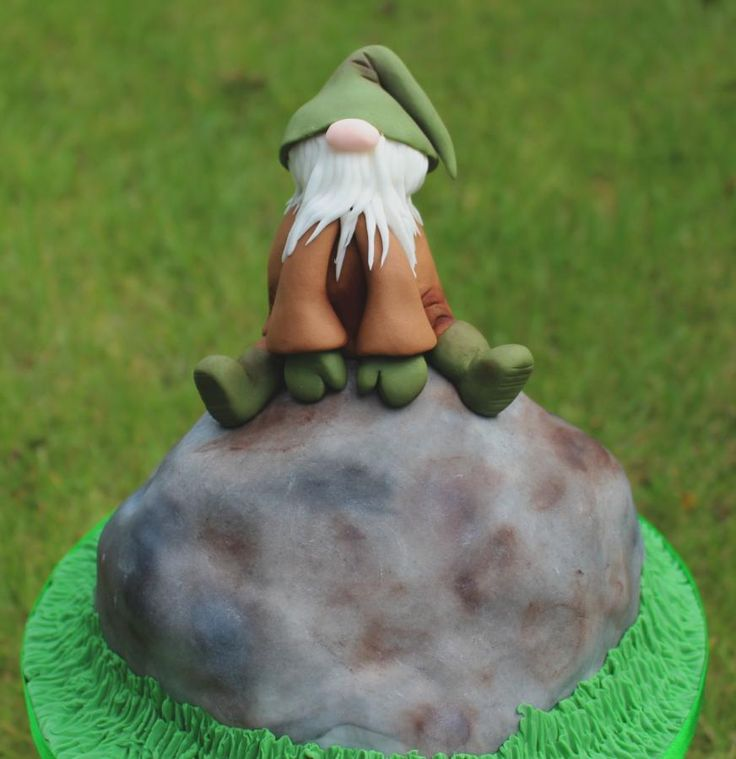Sitting Gnome for Fairytale Forest - Cake by Marie's Bakehouse