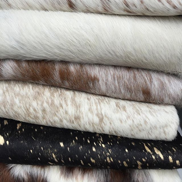 So many incredible cow hides new in stock @styletemplemornington! All sizes, some huge, short and long hair, all colors- black/white/tricolor/metallic/caramel/pepper/brown... So many! Great prices! #cowhide #cowhiderug #styletemple ph.0359757432
