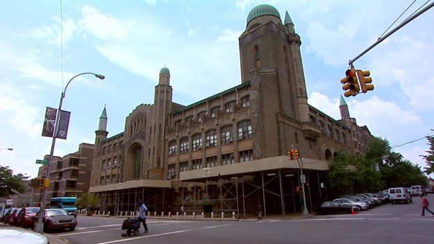 A New York court has tossed out a $380 million lawsuit claiming at least 34 ex-students of Yeshiva University High School for Boys were abused, some sexually, from 1971 to 1992.