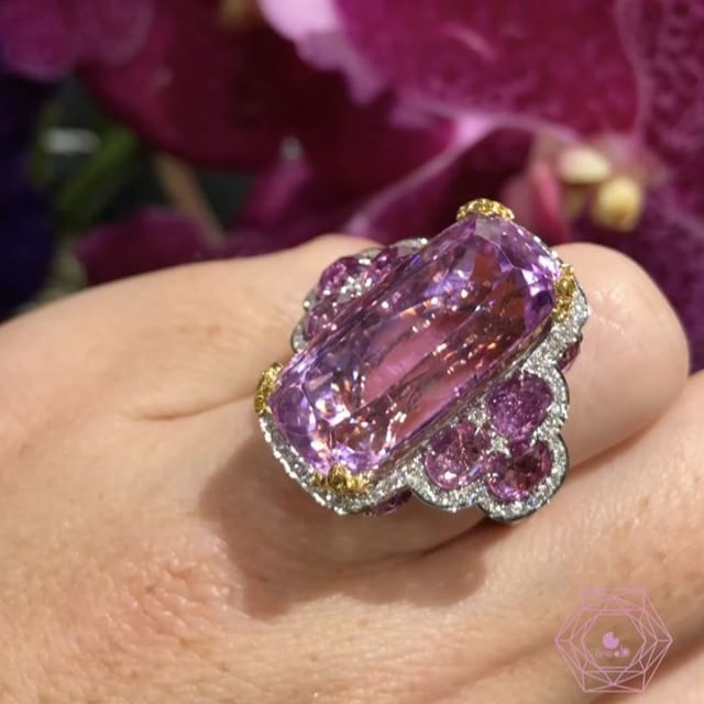 My big crush of @baselworldofficial this amazing ring in kunzite by @alessio_boschi_jewels really in love amazing work amazing colors love it! - credit @likeab . . . #alessioboschi #alessioboschijewels #likeab #highjewelry #highjewellery #hautejoaillerie #masterpiece #kunzite #diamond #gems #stones #awesome #baselworld2017 #baselworld #jewelrygram #happy #fun #art #beauty #beautiful #justgotshoot #new #love #jewels #bijoux #pieceofart #oneofakind #unique #exciting #friend