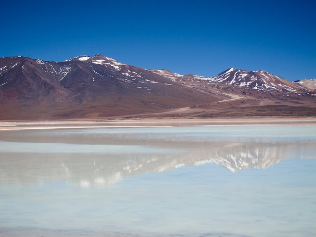 Uyuni trip Laguna Blanca by MiguelVieira, San Pedro de Atacama, Chile,  via Flickr. This picture is under Creative Commons Attribution 2.0 Generic license - learn about the license on the website. #lake #mountain #blue #brown