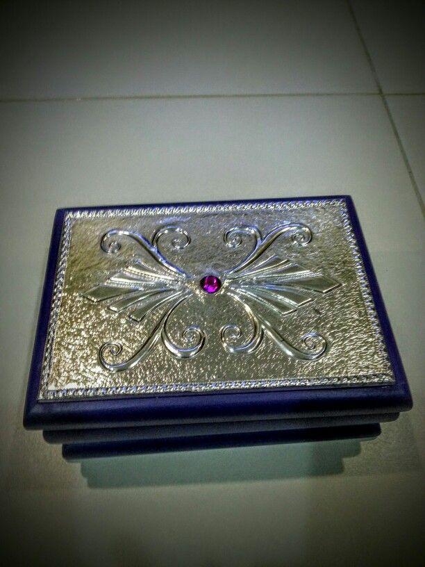 Joyero lila