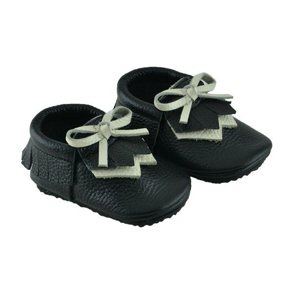 Kız ve erkek bebekler için tabanlı makosen model ilkadım ayakkabısı.