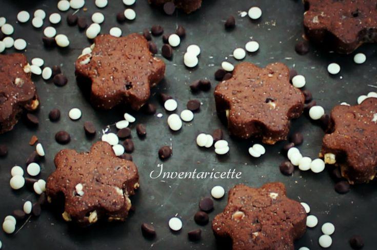 Black & White - Frollini al Cioccolato Doppio sono delicati biscotti di pasta frolla al cacao impreziositi di gocce di cioccolato bianco e gocce di cio