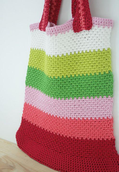 Free crochet pattern: market bag in linen stitch | Happy in Red