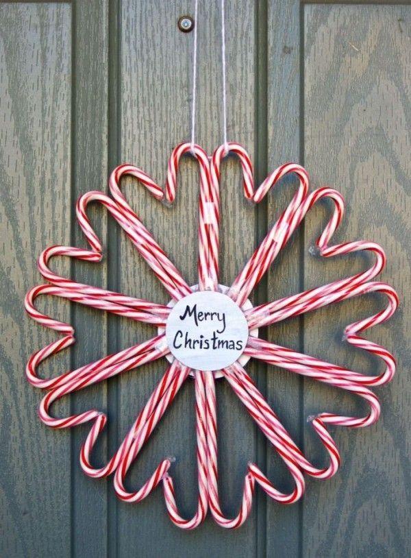 Couronne de Noël à fabriquer avec des cannes de sucre d'orge  http://www.homelisty.com/deco-noel-pas-cher/