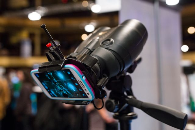 Snapzoom Gives You A Smartphone Camera Mount That Turns Binoculars Into A Super ZoomLens