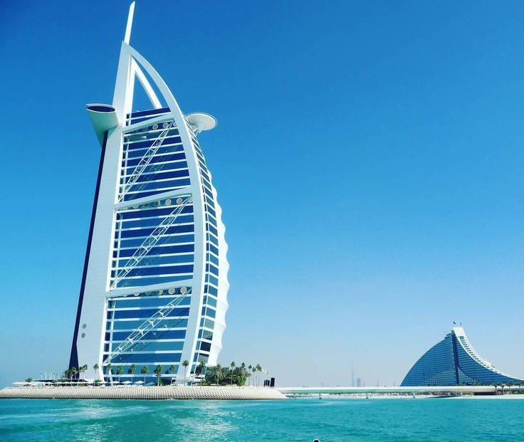 Silvester in Dubai - Sonne blauer Himmel und spektakuläre Feuerwerke! #taipan_dubai #Dubai #burjalarab
