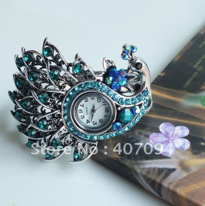 Antique Peacock Shaped Rhinestone Bangle with Watch