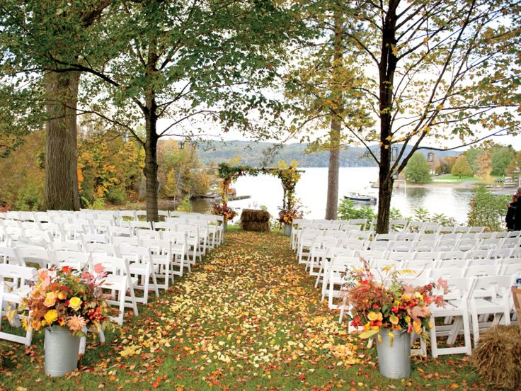 Fall Wedding Pitfalls (and How to Avoid Them) | Photo by: Orchard Cove Photography | TheKnot.com