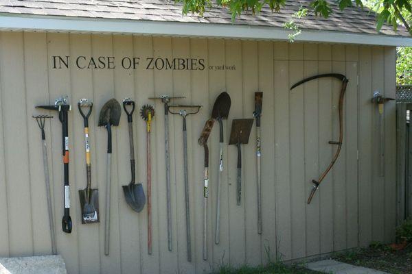 Au jardin, cas d'attaque de zombie...