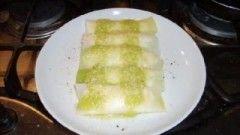 La dritta del cuoco: Per accorciare di molto la preparazione, si possono utilizzare pasta all'uovo già pronta e gamberetti surgelati sgusciati. In alternat