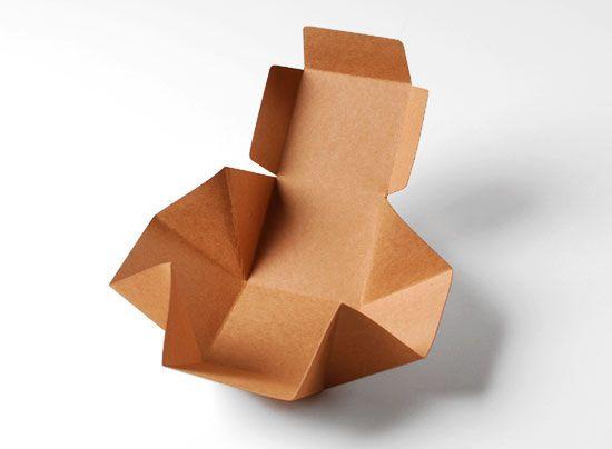 Scatola cubica in cartone, perfetta per contenere creme e cosmetici, ma anche bomboniere di nozze, battesimi e omaggi promozionali. Lasciati ammaliare…