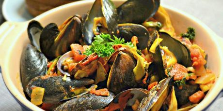 Mussels with Spicy Vodka Tomato Sauce