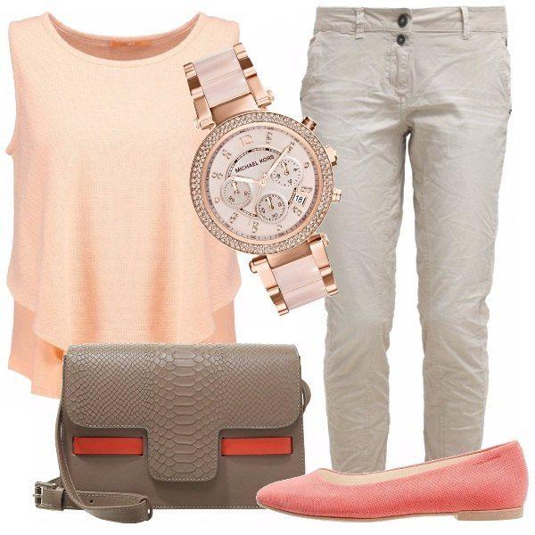 Un outfit semplice ma ricercato. Pantalone di linea sportiva effetto stropicciato, delizioso top color albicocca movimentato da pieghe. Ballerina color corallo, borsa a tracolla in pelle color tortora con dettaglio in tessuto corallo. Orologio oro rosa.