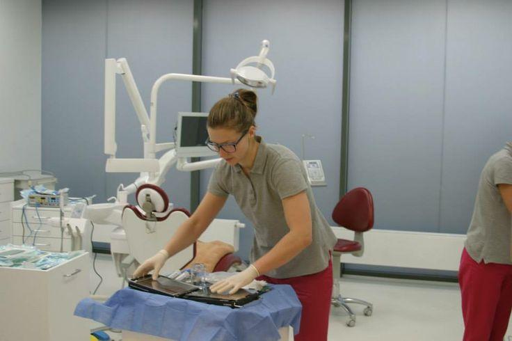 Sala operacyjna #chirurgia #szczeka #implanty #warszawa #dentysta #stomatolog #narkoza #usmiech #zdrowie #operacja #osemki #tomograf http://www.declinic.pl/oferta/nowoczesne-znieczulenia/