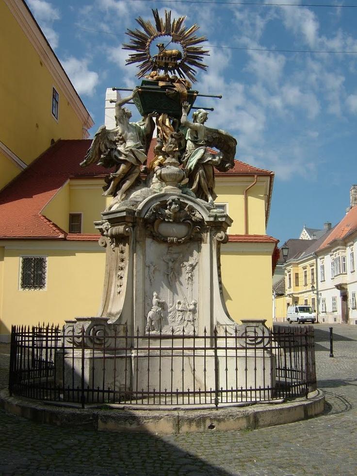 "Famous sculpture, called ""Frigyláda"" in Győr"