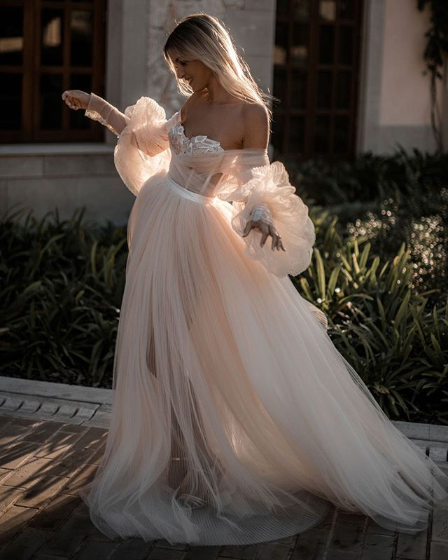 Bohemian Long Sleeve Tulle Wedding Dress
