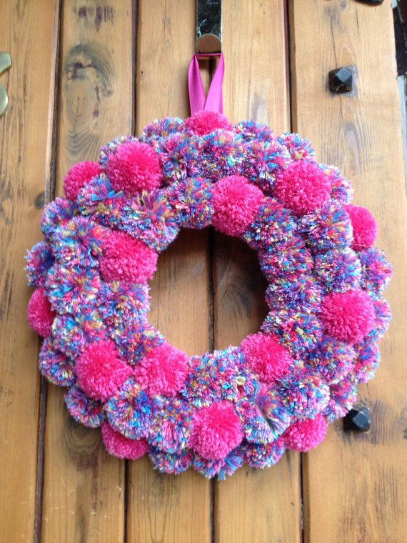 17 best ideas about pom pom wreath on pinterest twine wreath diy spring wreath burlap and pom. Black Bedroom Furniture Sets. Home Design Ideas