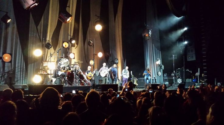 DMB acoustic set Old Dirt Hill, September 5, 2014, Sleep Train Amphitheater Chula Vista CA (Eric Rial)