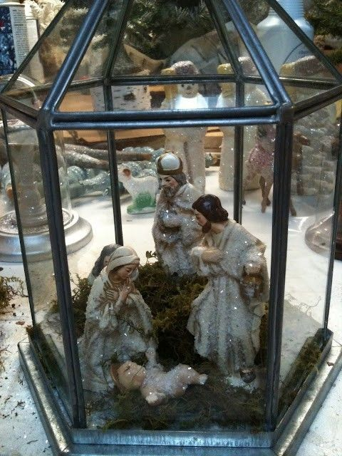 Love this display of Nativity Scene in a lantern.