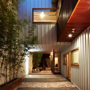ADAM DETTRICK ARCHITECTS - North Melbourne House