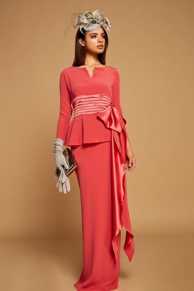 39e0cf44c Colección 2019 de vestidos de fiesta para madrina de la firma Matilde Cano.   vestidosdefiesta