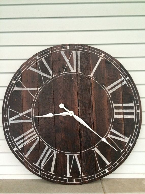 25 best ideas about pallet clock on pinterest diy clock for Whatever clock diy