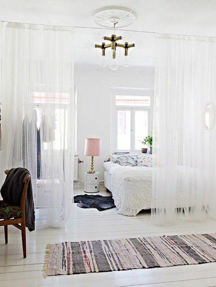 tapis-vintage-coloré-pour-votre-petit-studio-blanc-tapis-gris-en-fourrure-deco-studio-20m2