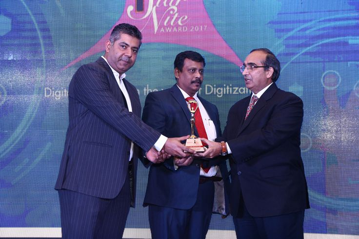 SECLORE TECHNOLOGY receiving the award for BEST ENTERPRISE DIGITAL RIGHTS MANAGEMENT from Mr. Vipin Tyagi, Executive Director – C-DOT and Mr. Deepak Sahu, Publisher & Group Editor, VARINDIA and SPOI
