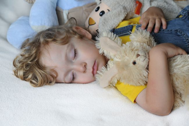 Comportament preventiv in timpul somnului in patut
