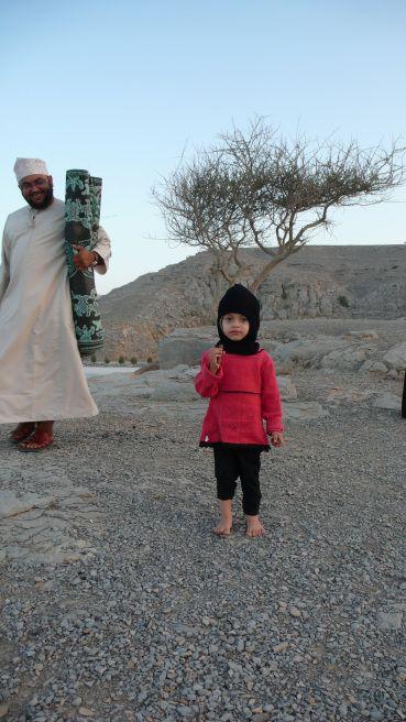 Adorable Kumzari Girl from Oman. The Kumzaris are descendants of Iranian Fishermen who inhabited the coast of the Persian Gulf and the Gulf of Oman. Their Language Kumzari is a Southwestern Iranian language and the only non-Semitic language surviving on the Arabian peninsula.