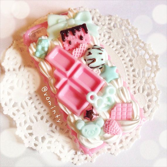 Strawberry and Mint Decoden Phone Case / Decoden iPhone 5 Case