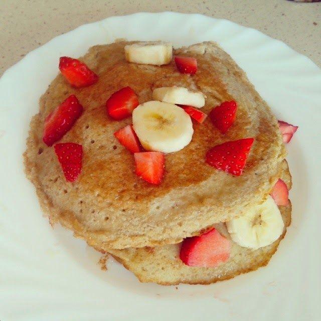 Receta tortitas de avena con frutas y miel | Cocinar en casa es facilisimo.com