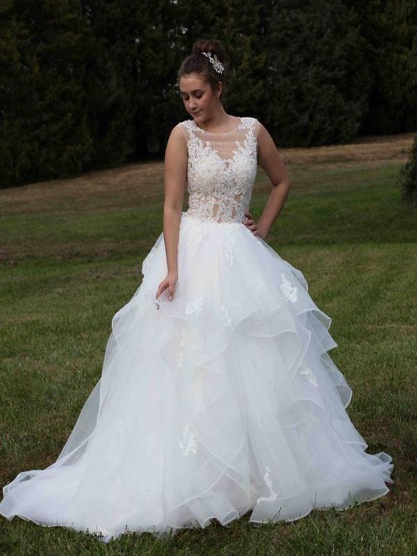 Glamorous A Line White Sleeveless Lace Long Wedding Dressespretty