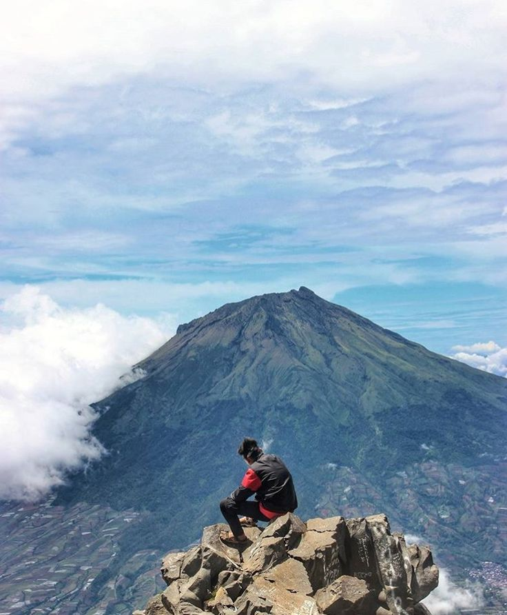 📍Mount Sindoro, Indonesia