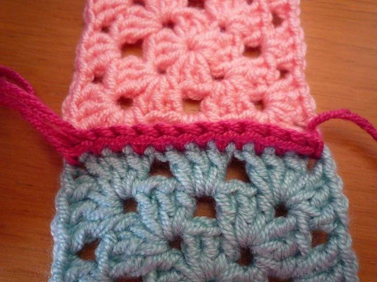 Granny squares zijn zo leuk om te maken en voordat je het weet heb je er heel wat gehaakt. Dan is de vraag: hoe maak je ze aan elkaar vast? Ik zal hier enkele manieren laten zien. Om te beginnen … Lees verder →