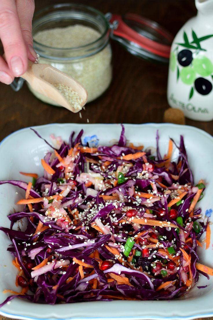 Salată colorată cu varză roşie şi alte vitamine