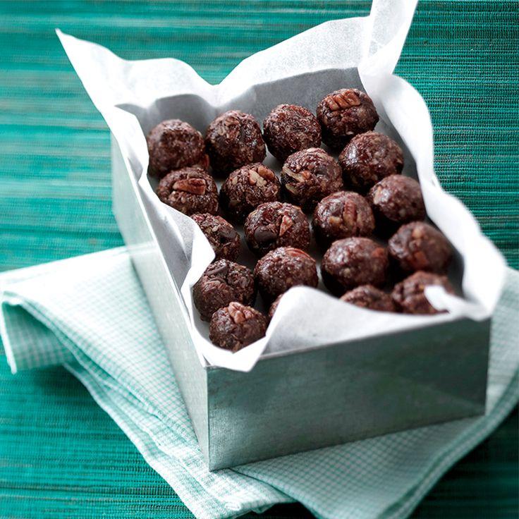 Boules d'énergie à l'avoine, aux noix et au miel sans cuisson | .coupdepouce.com