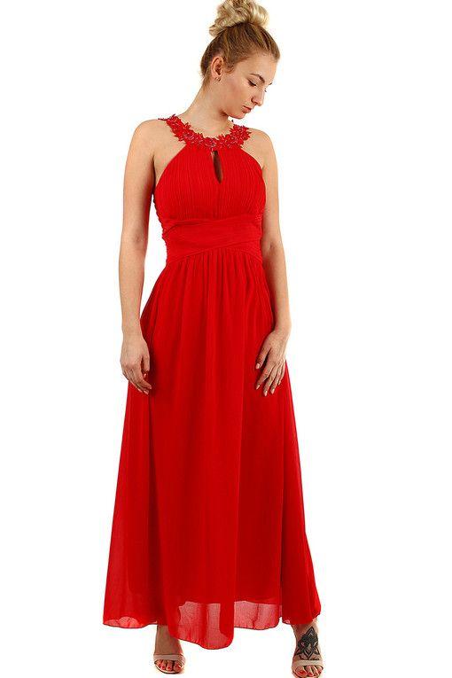 1055d5df44e1 Plesové dlouhé šaty s výšivkou a korálky v roce 2019