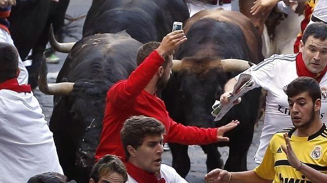 El «selfie» del encierro puede costarle al imprudente 1.500 euros
