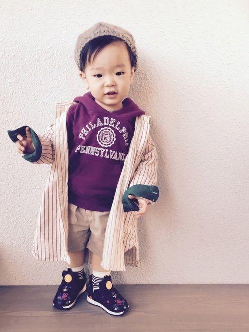 はるみち❤️ 1歳7ヶ月💜 大好きなChampionパーカーにシャツワンピースを重ね着😊 短パン