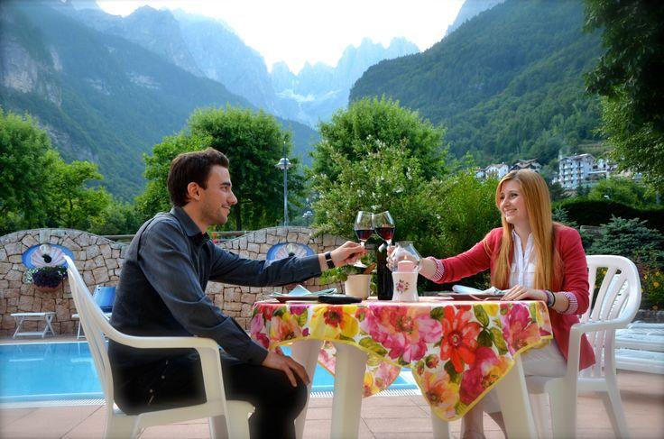 In quale altro posto del mondo puoi avere le Dolomiti in sala da pranzo?