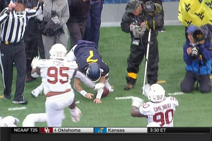 This looks PAINFUL. West Virginia quarterback Will Grier — one of the best college passers in the country — appeared to suffer a finger dislocation while attempting to run for a touchdown Saturday against Texas.              On a designed QB bootleg, Grier sprints for the left edge ...