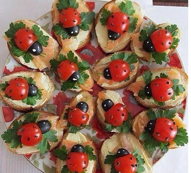 Food - adorable appetizers. Great for kid's party