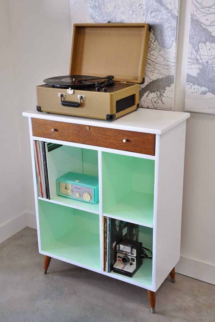 #Poppytalk: Before and After | Vintage Cabinet from Shabby to Chic #DIY