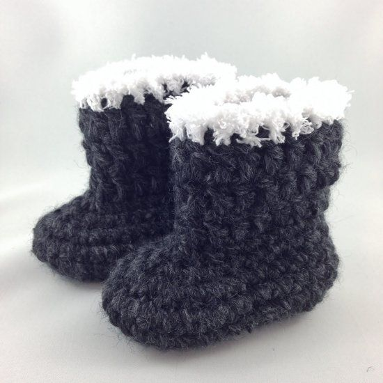 Use thick yarn to quickly work up a pair of warm baby ...