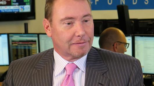 Jeff Gundlach vs #netnet, #private #equity #and #hedge #funds, #alternative #investing, #hedge #funds, #netnet, #wall #street, #investing, #finance, #institutional #investors, #bonds, #fixed #income, #jpmorgan #chase #and #co, #bill #gross, #doubleline #flexible #income #fund #class #i, #business #news…