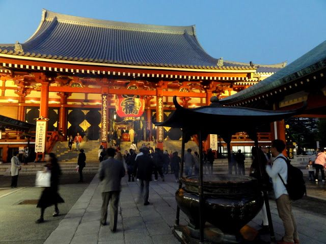 Travel and Lifestyle Diaries Blog: Good Fortunes and Wishes at Sensoji Temple (Sensō-ji) in Asakusa (Tokyo, Japan)