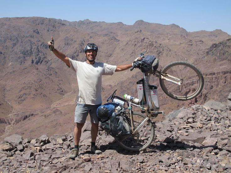 Viaggiatore, sportivo e appassionato di sfide, @Maurizio Doro ha una passione per la gare più difficili e impegnative del mondo: che siano le sabbie del Sahara o i ghiacci dell'Alaska niente lo spaventa! #NeverStandStill
